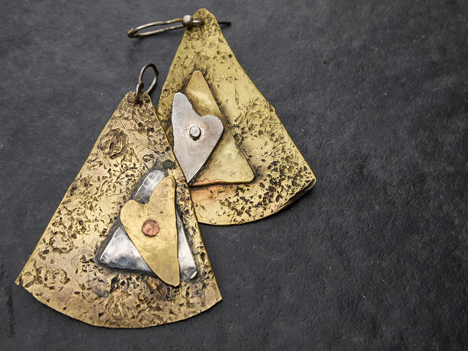Triangle heart earings